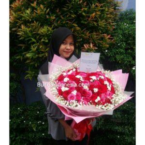 Handbouquet Mawar Bunga Valentine 085959000628 Kode : BV 20