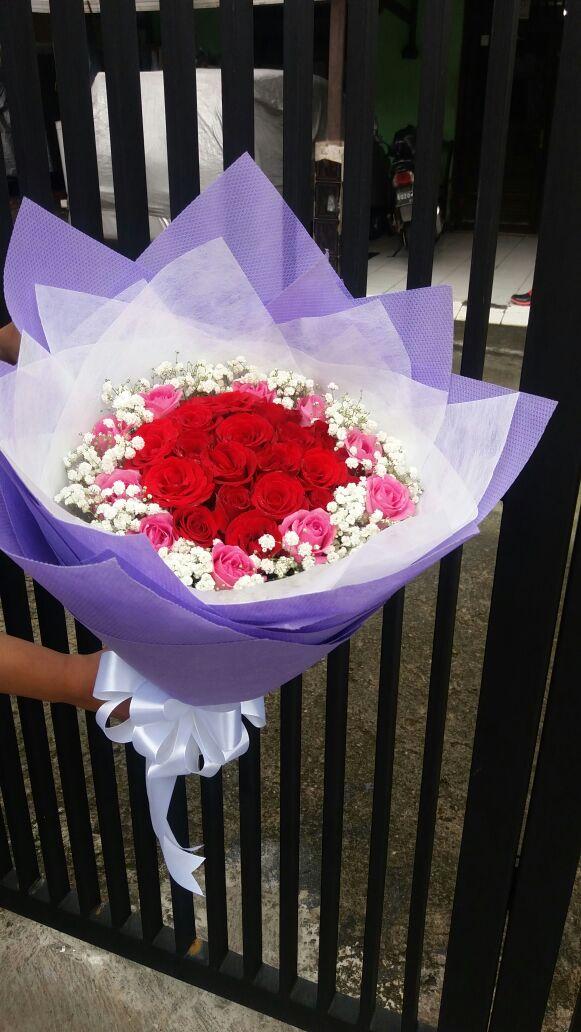 Buket Bunga Besar Hand Bouquet Bunga Mawar Valentine 2020 By Parcelbuahbunga Com Gratis Kirim Jakarta Raya Dam Bisa Kirim Ke Berbagai Kota Besar Di Indonesia Toko Bunga Valentine Di Jakarta 085959000628
